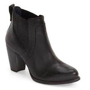 UGG Size 10 Cobie II Boot